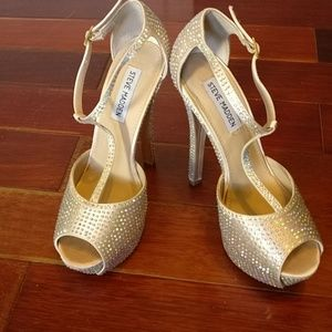 Steve Madden Angylna Crystal shoes!